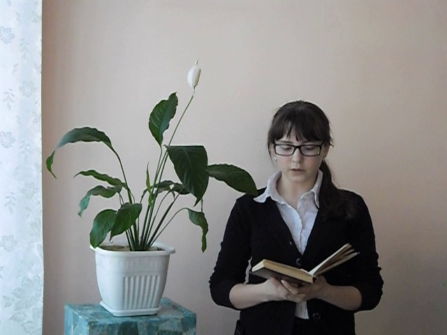 Изображение предпросмотра прочтения – ЕкатеринаРустамова читает произведение «Весенняя гроза (Люблю грозу вначале мая…)» Ф.И.Тютчева