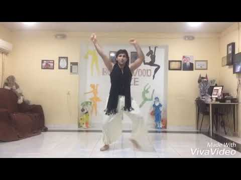K3G - Bole Chudiyan Video | Amitabh, Shah Rukh, Kareena, Hrithik)Elqem.N3337