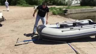 Перевозка лодки ПВХ(Перевезти лодку ПВХ можно без прицепа. Для этого достаточно транцев колес и прицепное дышло, которое склады..., 2016-05-26T20:34:33.000Z)