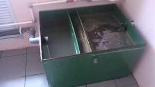 Жироуловитель в работе. Alta-Kaluga.ru(Жироотделители Alta-М разделяют сточные воды пищеблоков непосредственно перед попаданием в трубопроводы..., 2013-06-25T10:47:47.000Z)