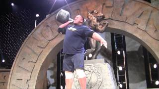 Arnold Strongman Classic 2013: Day 2-Dumbell Press & Interview