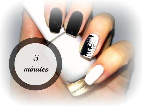 Простой и быстрый дизайн ногтей // Черно-белый гипнотический маникюр