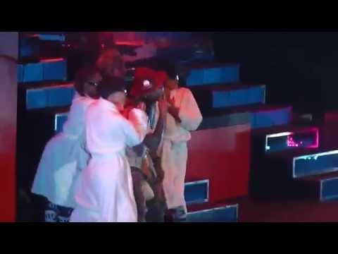 Free Download Pharrell Williams - Hunter - Prague - 17.9.14 Mp3 dan Mp4