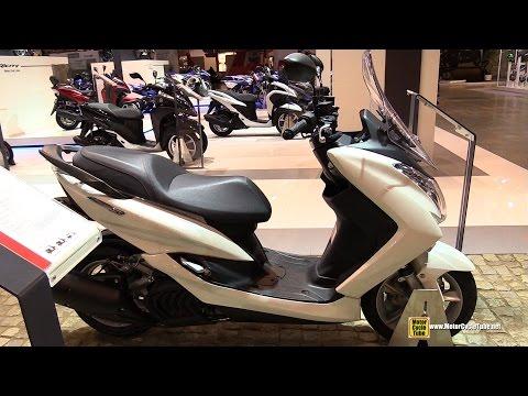 2015 Yamaha Majesty S 125 Scooter - Walkaround - 2014 EICMA Milan Motorcycle Exhibition