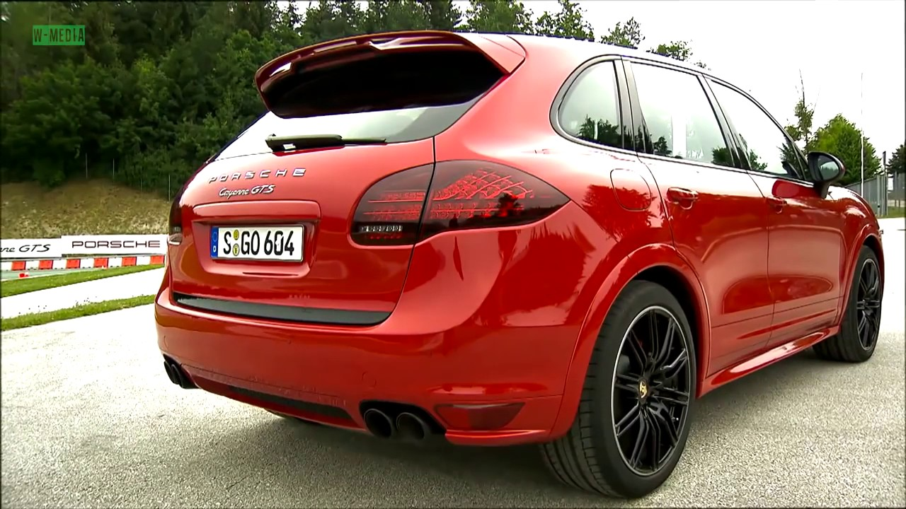 2017 porsche cayenne gts driving youtube. Black Bedroom Furniture Sets. Home Design Ideas