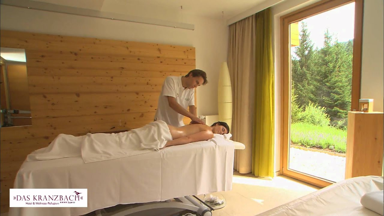 das kranzbach massage im behandlungsraum youtube. Black Bedroom Furniture Sets. Home Design Ideas