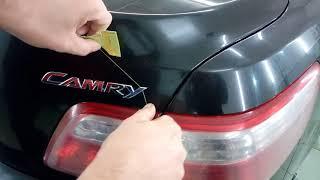 Демонтаж шильдиков перед полировкой кузова