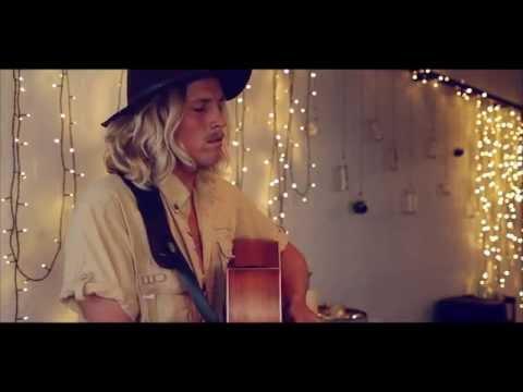 ZIGGY ALBERTS - Warm Coffee // Alone at Gracelands