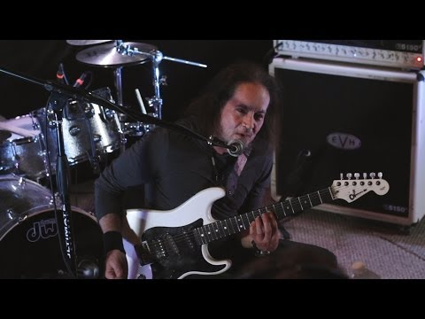 Jake E. Lee talks Bark At The Moon