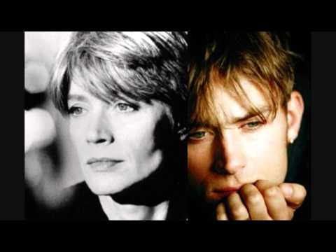 Françoise Hardy And Damon Albarn - To The End (La Comedie)