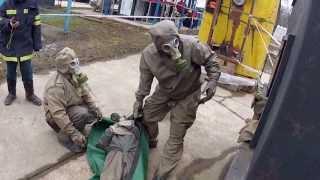 Устранение утечки химически опасного вещества и транспортировка пострадавшего(, 2013-04-21T06:26:53.000Z)