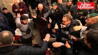 #maiconsalvini, movimenti occupano basilica a Roma. Ferita un'attivista