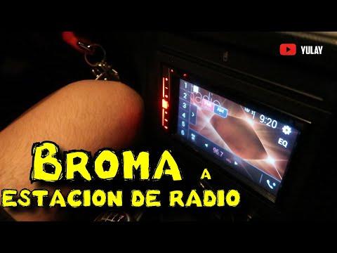 """Pidiendo La Canción Del """"Ansioso"""" En La Estación De Radio"""