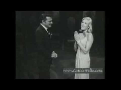 Carole Wells Sings on