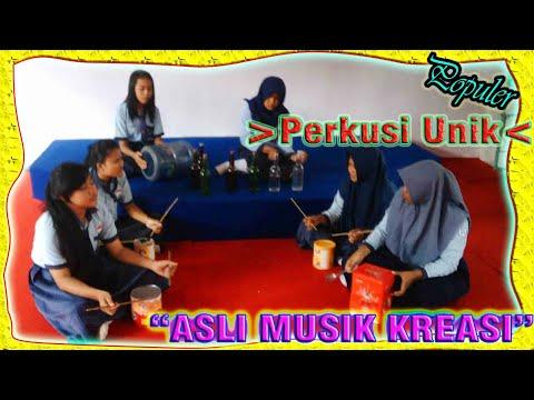 Kelas 9c alat musik dari barang bekas lagu Gundul gundul Pacul Campur Iwak Peyek