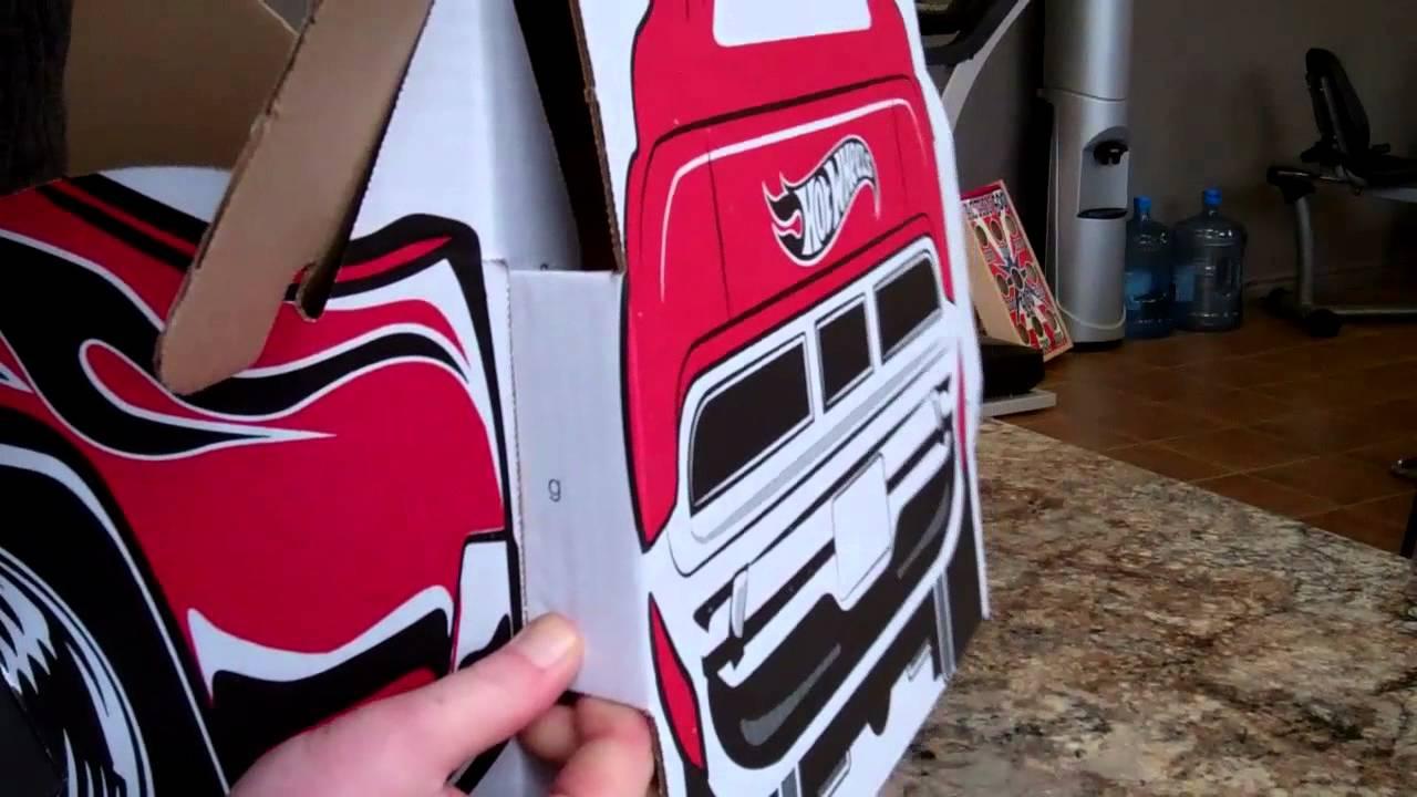 Voitures de carton l 39 assemblage en quelques youtube - Fabriquer une voiture en carton ...