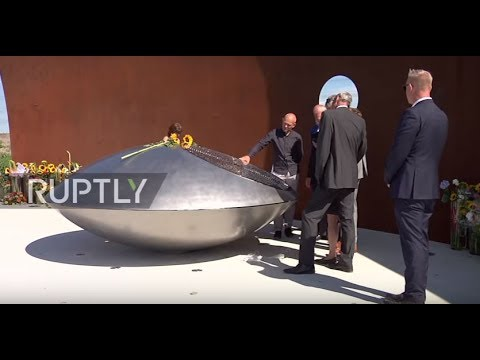 Netherlands: Royal family join mourners at newly unveiled MH17 monument