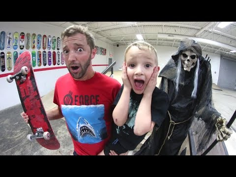 FATHER SON HAUNTED SKATEPARK!