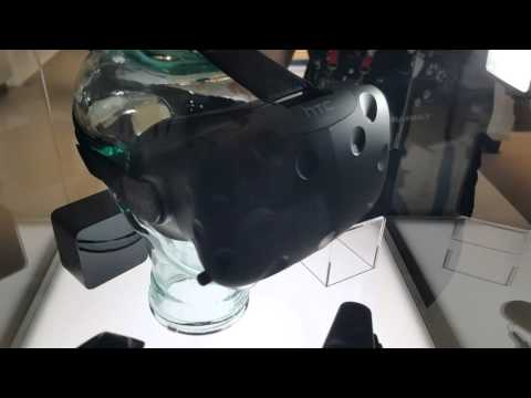 HTC Vive - Quick look at equipment