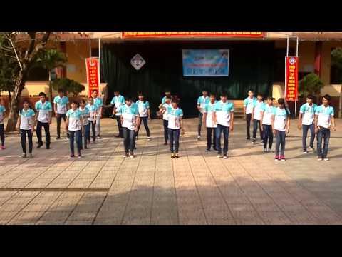 THPT Cửa Tùng nhảy dân vũ