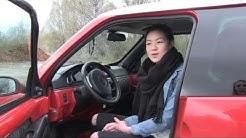 Autoilija, huomioi mopoauton poikkeuksellinen nopeus!