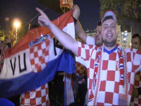 Navijačka euforija prije utakmice Hrvatska - Ukrajina