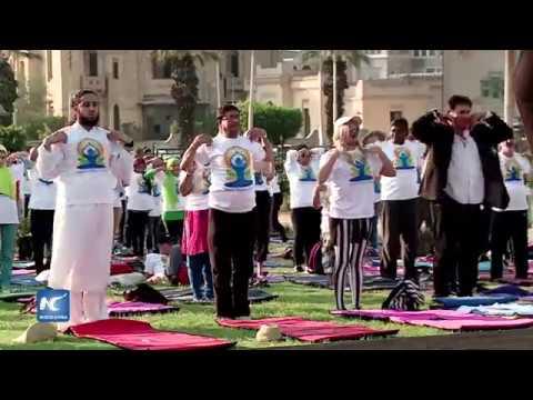 Celebran Día Mundial del Yoga