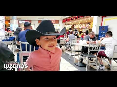 Familia Luzeros en Macy's( Shopping y Comiendo)