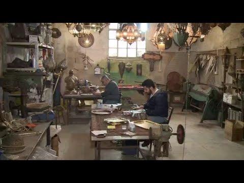 حرفيون سوريون في مهمة لإنقاذ الصناعات التقليدية من الاندثار!!  - نشر قبل 14 دقيقة