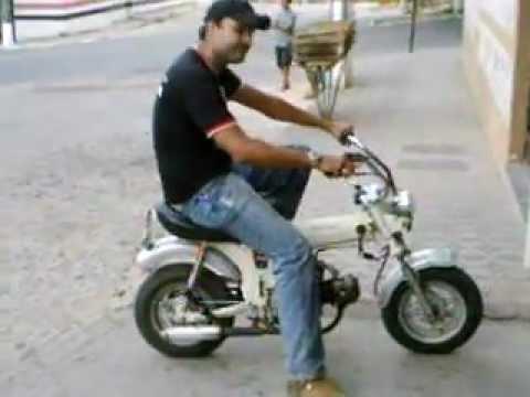 honda st 70 1974 mini moto moto antiga youtube. Black Bedroom Furniture Sets. Home Design Ideas