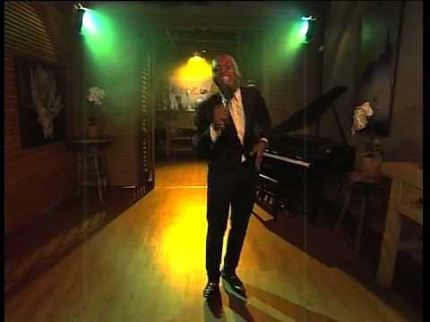 Dumi Mkokstad performs on Expresso