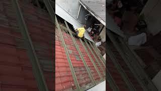 Video Bkl las DITTA Genteng ganti asbes download MP3, 3GP, MP4, WEBM, AVI, FLV Oktober 2018