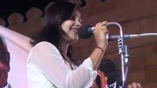 Repeat youtube video Kavi Sammelan @ Bhopal Anamika Amber [Upload By +919610000143] Part 1.mp4