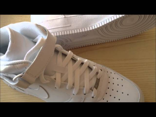 Nike Air Force Alte Indossate