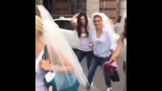 видео Как провести девичник для беременной невесты