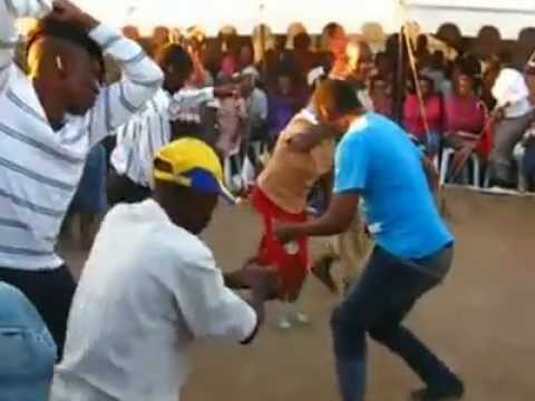 GOTTA LOVE BOTSWANA WEDDINGS, MMANKGODI WEDDING DANCE ..Luvin ths video 2 bits.