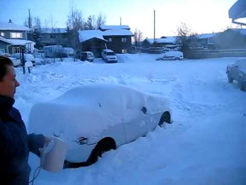 Nước bốc hơi tại âm 30 độ ở Yellowknife, Canada
