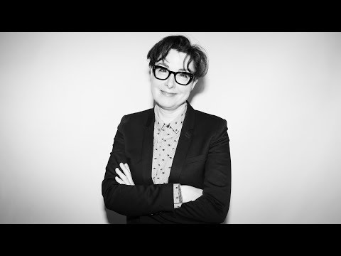 Sue Perkins Chats Travel, Musical Toilets & Her Autobiography 'East Of Croydon'
