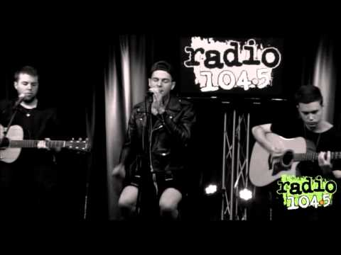 The Neighbourhood performs Sweater Weather   Radio 104 5