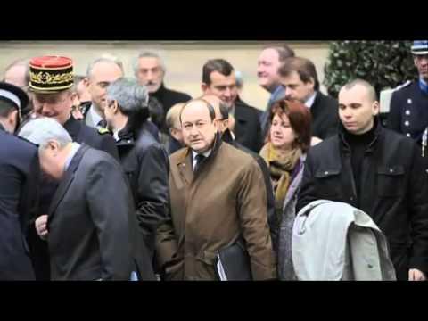 Episode 6  La République des mallettes   Manipulations, une histoire française