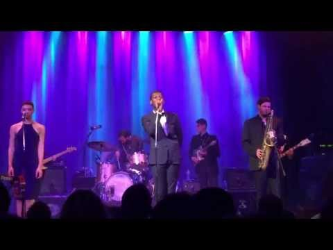Leon Bridges - Pull Away (Live in Zürich, Switzerland)