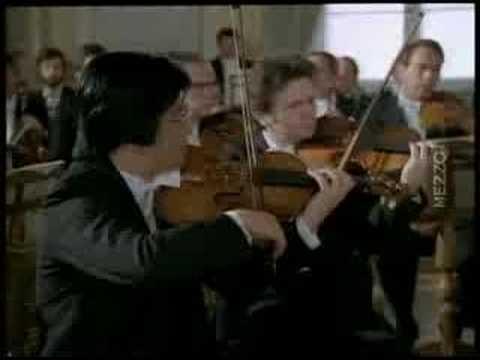 Video Mozart - Piano Concerto no 21 - Andante