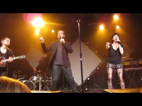 "Carly Rae Jepsen & Bob Saget sing the ""Fuller House"" Theme - Milwaukee Turner Hall, 3/11/2016"