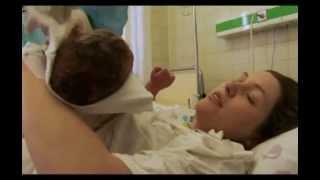 видео Рождения малыша. Первые дни с новорожденным дома