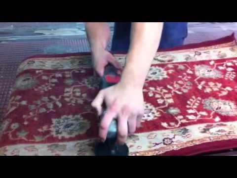 C mo limpiar y reparar una alfombra muro a muro doovi - Como lavar una alfombra en casa ...