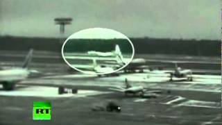 CCTV video of Tupolev 154 deadly crash landing in Moscow thumbnail