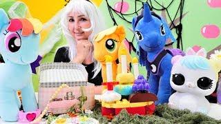 My Little Pony cadı Özge'nin doğum gününde sürpriz yapıyorlar!