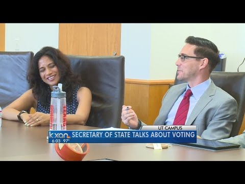 Texas Secretary of State encourages college-aged students to vote