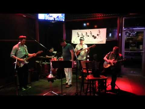 Leftfoot Dave and the magic hats live