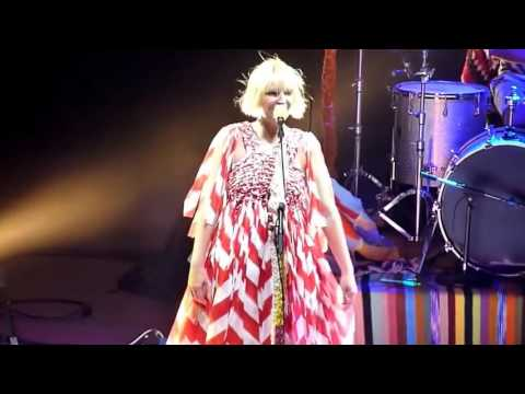 Sia - Clap Your Hands (Live 2011)
